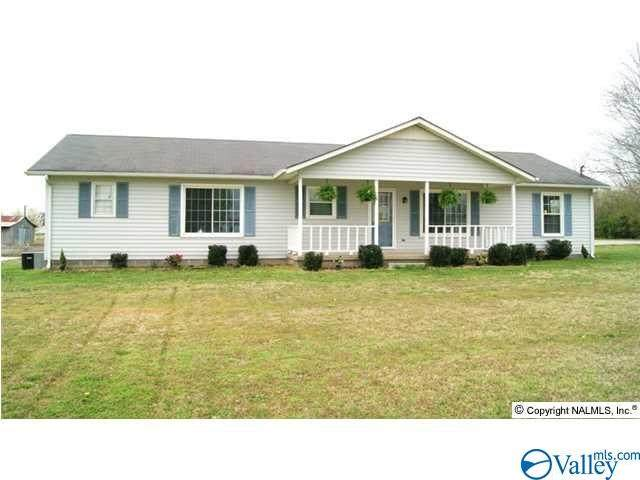 1364 Charity Lane, Hazel Green, AL 35750 (MLS #1773504) :: Coldwell Banker of the Valley