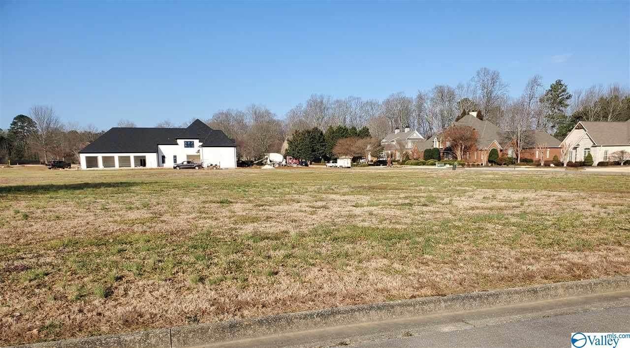 208 Briarwood Circle - Photo 1
