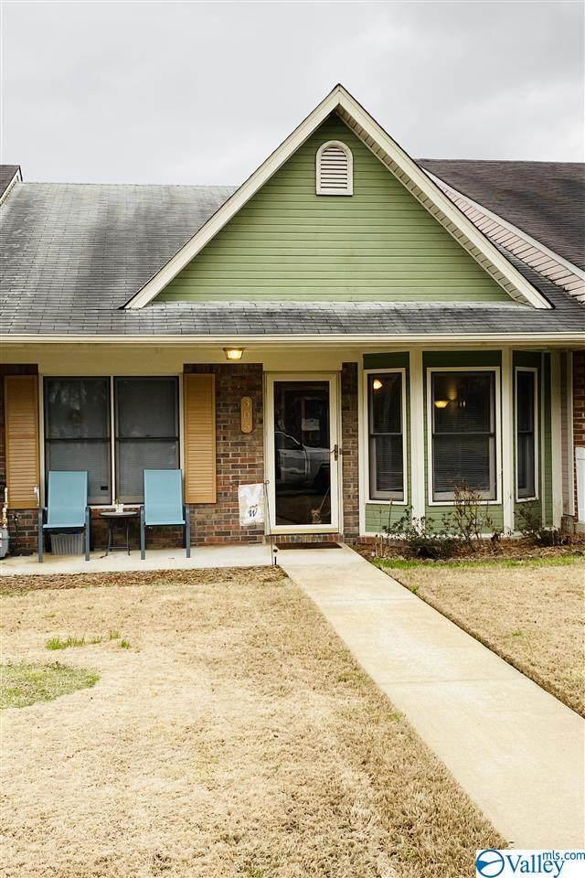 305 Clark Street, Decatur, AL 35601 (MLS #1776969) :: Southern Shade Realty