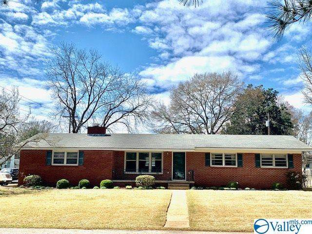 734 Cloverdale Court, Athens, AL 35611 (MLS #1777111) :: Southern Shade Realty