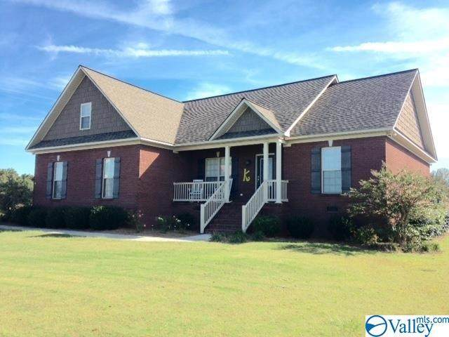 333 Meadowlark Lane, Albertville, AL 35951 (MLS #1778142) :: MarMac Real Estate