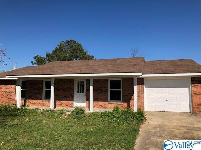 2113 Stanford Drive, Athens, AL 35611 (MLS #1778519) :: Green Real Estate