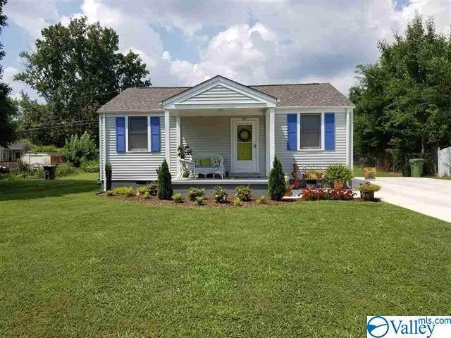 2207 Bide A Wee Drive, Huntsville, AL 35801 (MLS #1778703) :: Green Real Estate