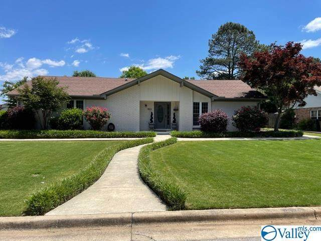 1802 Cumberland Avenue, Decatur, AL 35603 (MLS #1780744) :: MarMac Real Estate