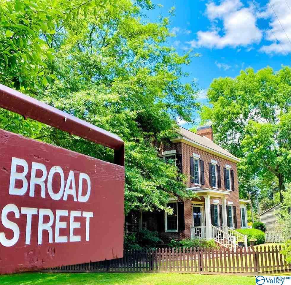 4855 Broad Street - Photo 1