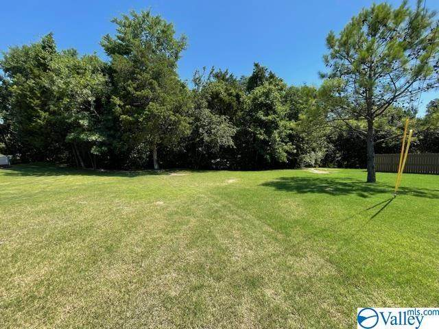 902 Whispering Pines Trail, Decatur, AL 35603 (MLS #1783805) :: Rebecca Lowrey Group