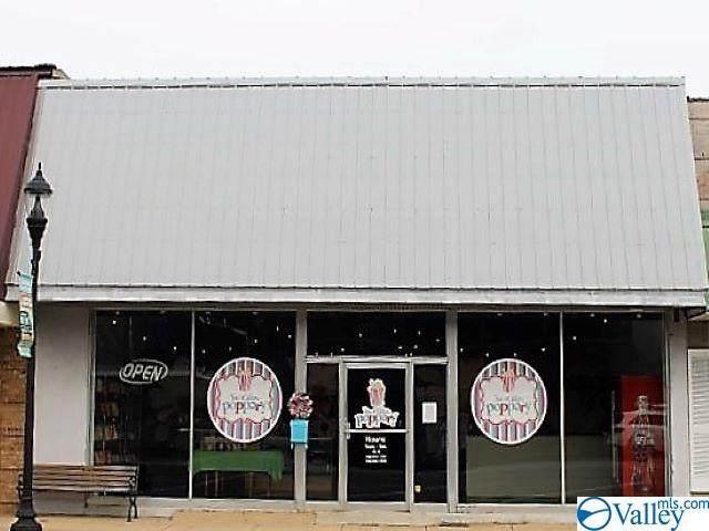 220 Gault Avenue, Fort Payne, AL 35967 (MLS #1787342) :: Green Real Estate