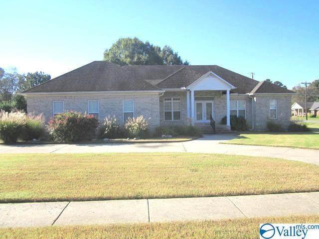22020 Saratoga Drive, Athens, AL 35613 (MLS #1792382) :: MarMac Real Estate
