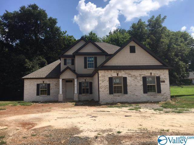 108 Ivy Meadow Circle, Hazel Green, AL 35750 (MLS #1792477) :: Green Real Estate
