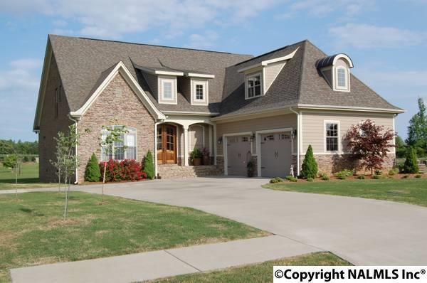 18364 Red Tail Street, Athens, AL 35613 (MLS #1064740) :: Amanda Howard Real Estate™