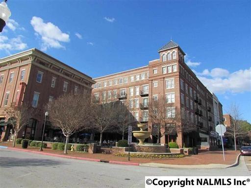 445 Providence Main Street, Huntsville, AL 35806 (MLS #1071975) :: Intero Real Estate Services Huntsville