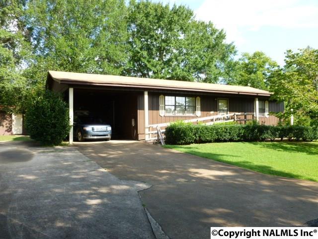 2409 Meadowlark Drive, Guntersville, AL 35976 (MLS #1076520) :: Amanda Howard Real Estate