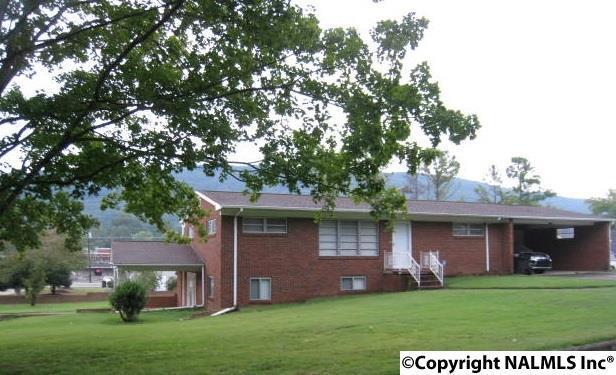 1701 NW Grand Avenue, Fort Payne, AL 35967 (MLS #1077849) :: Amanda Howard Real Estate™