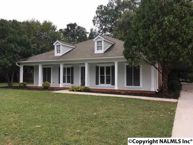 142 Manor House Drive, Huntsville, AL 35811 (MLS #1079671) :: Intero Real Estate Services Huntsville