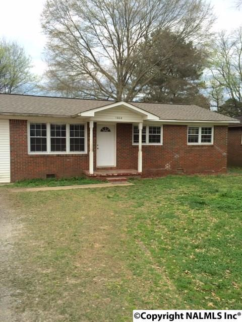 1806 Mount Zion Avenue, Gadsden, AL 35904 (MLS #1109429) :: RE/MAX Distinctive | Lowrey Team
