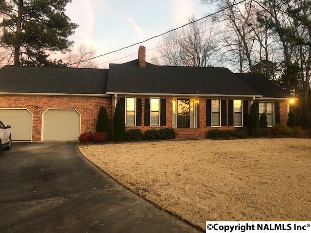 1003 Forest Place Sw, Decatur, AL 35603 (MLS #1109910) :: Intero Real Estate Services Huntsville
