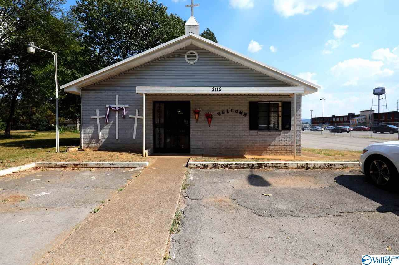 2115 Seminole Drive - Photo 1