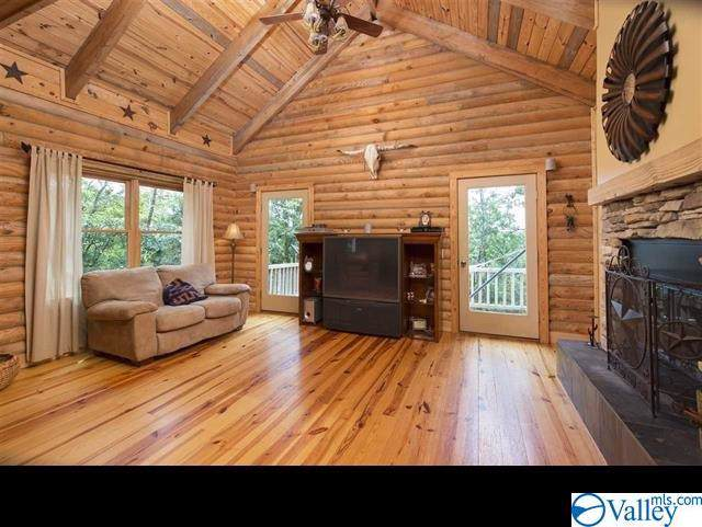 16002 Greentree Trail, Huntsville, AL 35803 (MLS #1135750) :: Coldwell Banker of the Valley