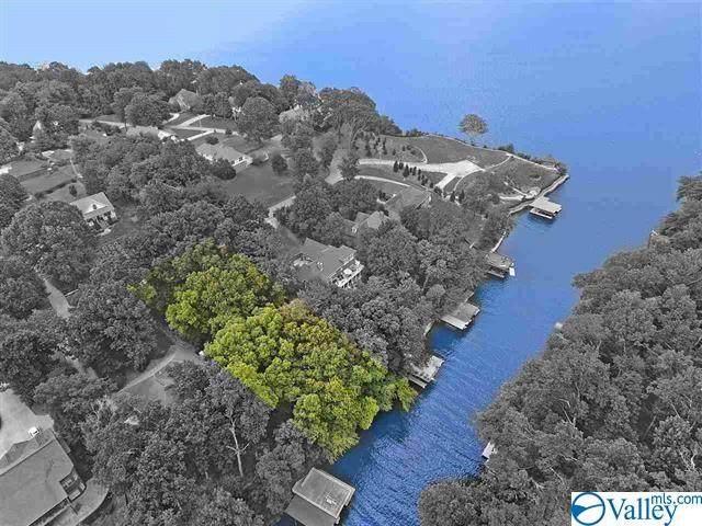 632 Ridgecliff Drive, Florence, AL 35634 (MLS #1145105) :: MarMac Real Estate