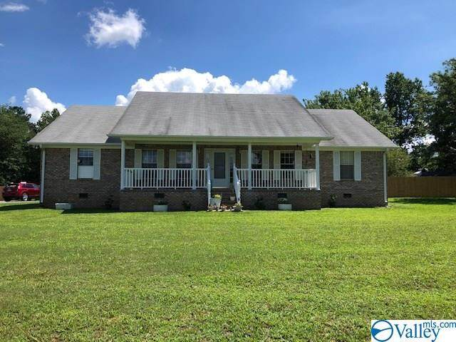 330 Burroughs Loop, Scottsboro, AL 35769 (MLS #1148015) :: Capstone Realty