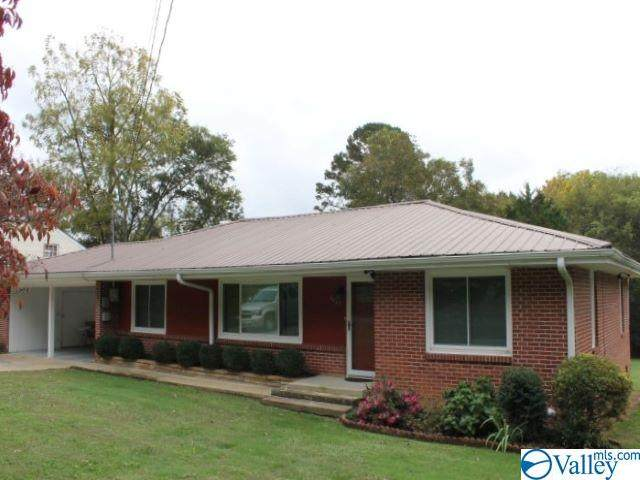 1607 Forest Avenue, Fort Payne, AL 35967 (MLS #1155909) :: RE/MAX Distinctive | Lowrey Team