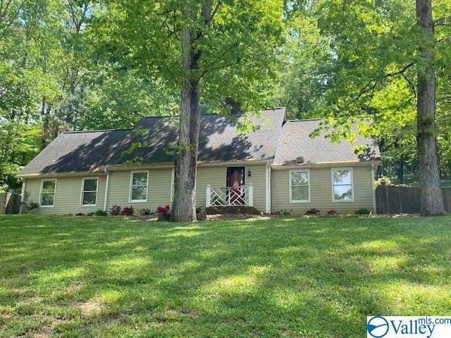 913 Clinton Road, Scottsboro, AL 35768 (MLS #1776192) :: Green Real Estate