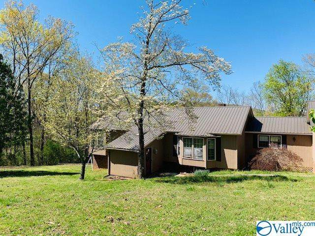 109 Colonial Drive, Scottsboro, AL 35768 (MLS #1777865) :: Green Real Estate