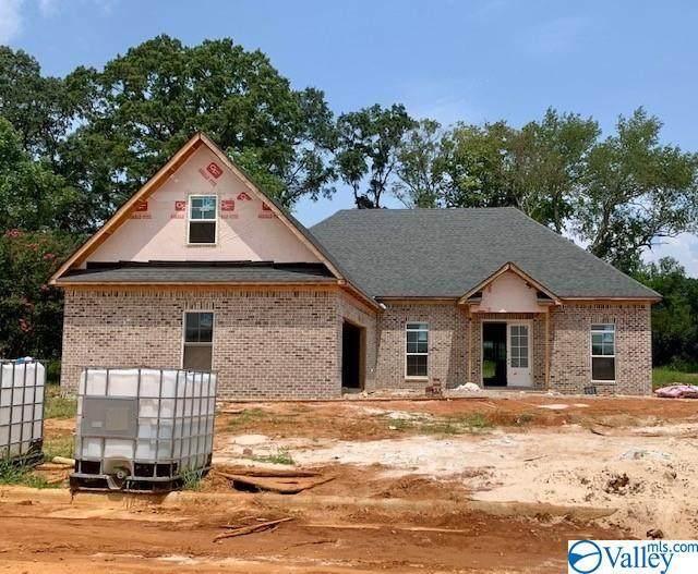 3010 Lisa Lane, Decatur, AL 35603 (MLS #1781115) :: Southern Shade Realty