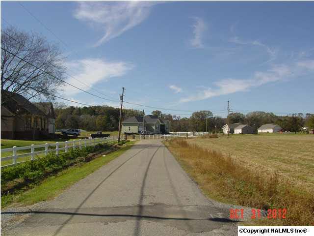 6 Hembree Drive, Guntersville, AL 35976 (MLS #843481) :: RE/MAX Alliance