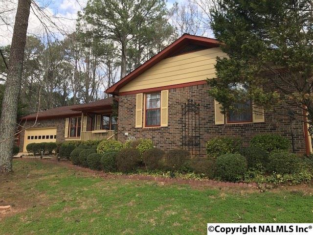 2525 Green Mountain Road, Huntsville, AL 35803 (MLS #1083117) :: Amanda Howard Real Estate™