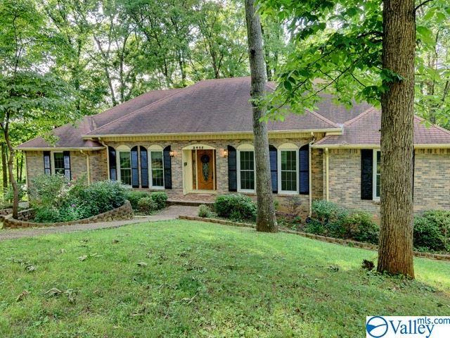 2405 Polk Drive, Huntsville, AL 35801 (MLS #1121347) :: Legend Realty