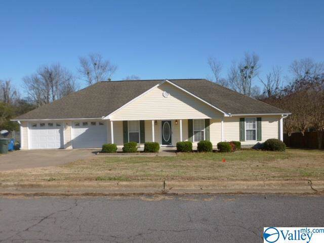 320 Ohara Drive, Albertville, AL 35950 (MLS #1133347) :: Intero Real Estate Services Huntsville