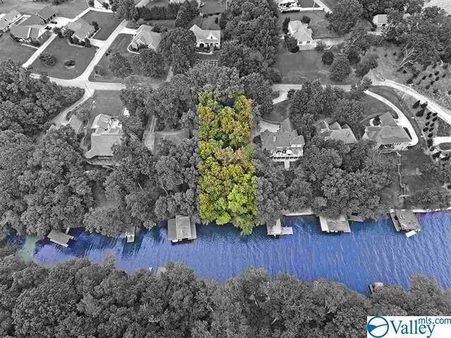 632 Ridgecliff Drive, Florence, AL 35634 (MLS #1145105) :: LocAL Realty