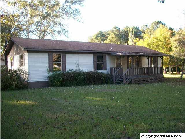 635 County Road 575, Centre, AL 35960 (MLS #412247) :: Intero Real Estate Services Huntsville