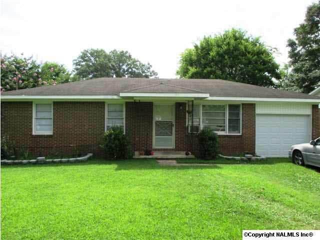 1804 Mount Zion Avenue, Gadsden, AL 35904 (MLS #652622) :: Southern Shade Realty