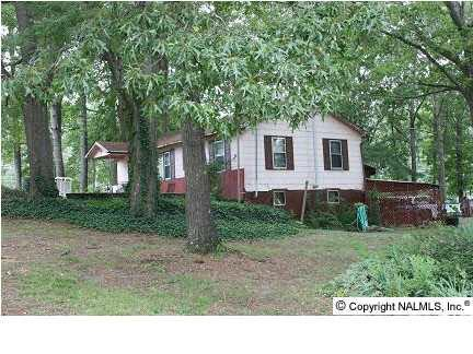 301 Marker Road, Gadsden, AL 35905 (MLS #975391) :: RE/MAX Alliance
