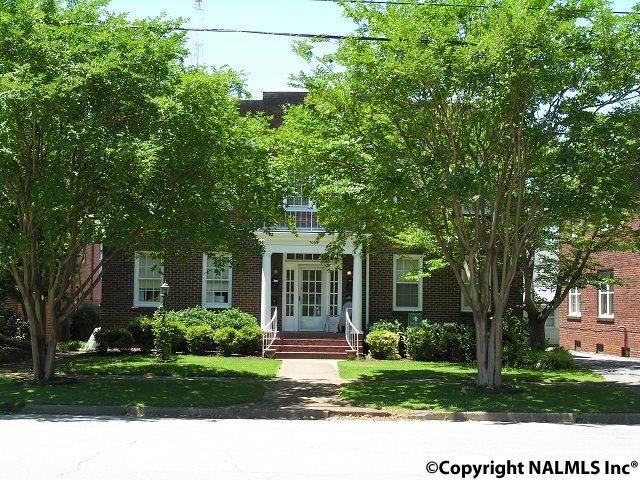 709 Oak Street, Decatur, AL 35601 (MLS #1036331) :: Legend Realty