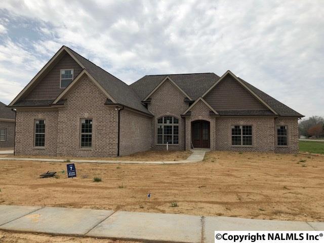 14933 Commonwealth Drive, Athens, AL 35613 (MLS #1081213) :: Amanda Howard Real Estate™