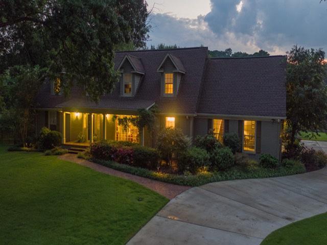 4024 Medford Drive, Huntsville, AL 35802 (MLS #1078104) :: Weiss Lake Realty & Appraisals