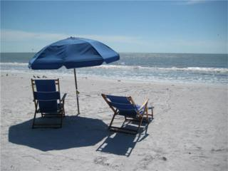 244 Pearl St, Fort Myers Beach, FL 33931 (MLS #216060039) :: The New Home Spot, Inc.