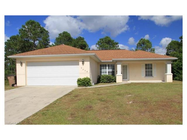 3208 68th St W, Lehigh Acres, FL 33971 (MLS #217063455) :: The Naples Beach And Homes Team/MVP Realty