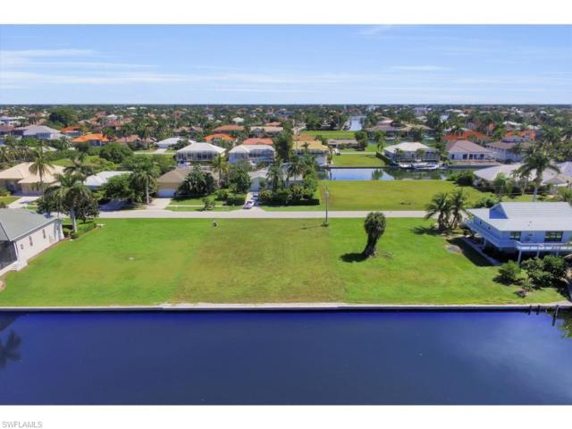 762 Orchid Ct, Marco Island, FL 34145 (MLS #217063773) :: The New Home Spot, Inc.