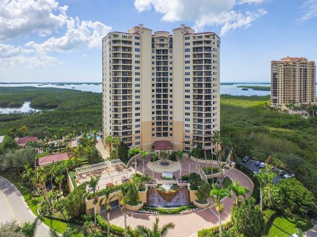 4875 Pelican Colony Blvd #401, Bonita Springs, FL 34134 (MLS #218009690) :: The New Home Spot, Inc.
