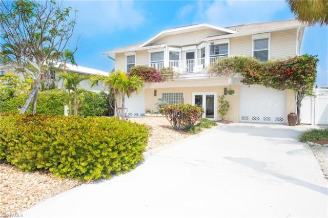 135 Hilo St E, Naples, FL 34113 (MLS #218023628) :: The New Home Spot, Inc.