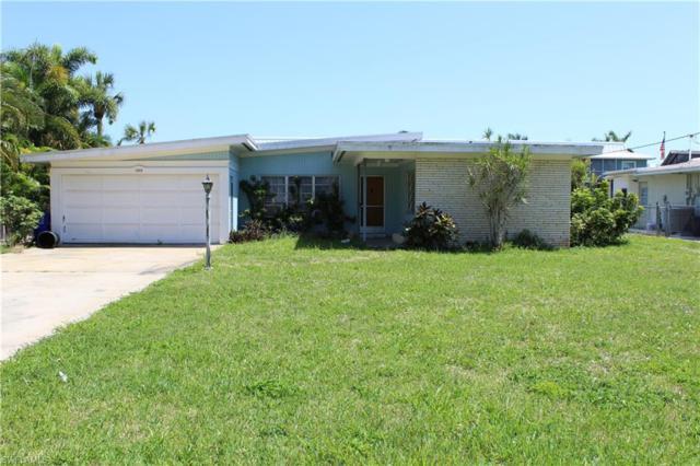 1408 Pelican Ave, Naples, FL 34102 (#218032302) :: Southwest Florida R.E. Group LLC