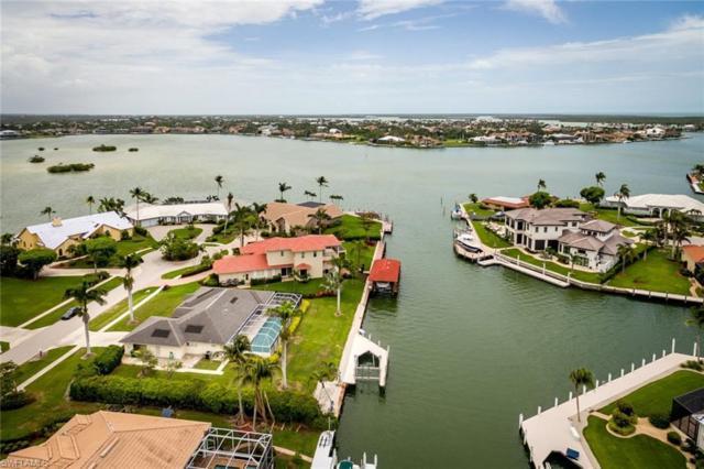570 Hammock Ct, Marco Island, FL 34145 (MLS #218036800) :: The New Home Spot, Inc.