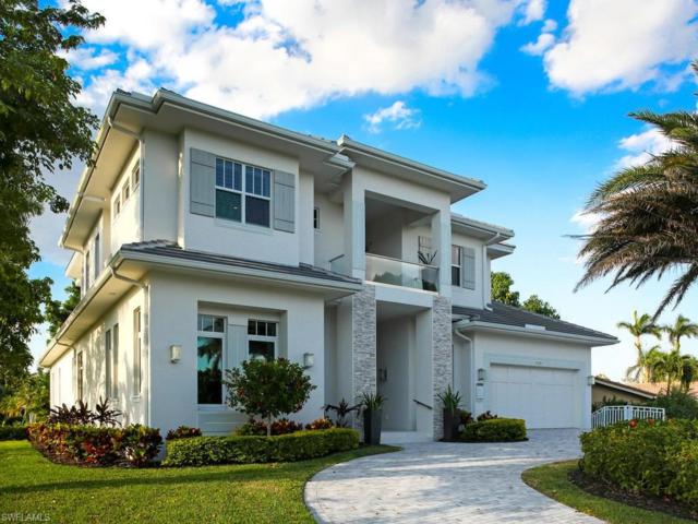 705 Parkview Ln, Naples, FL 34103 (MLS #218036846) :: The New Home Spot, Inc.