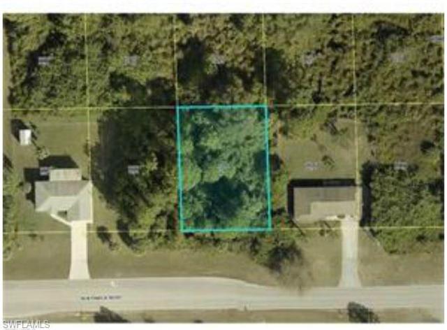 815 Sentinela Blvd, Lehigh Acres, FL 33974 (#218051467) :: Equity Realty
