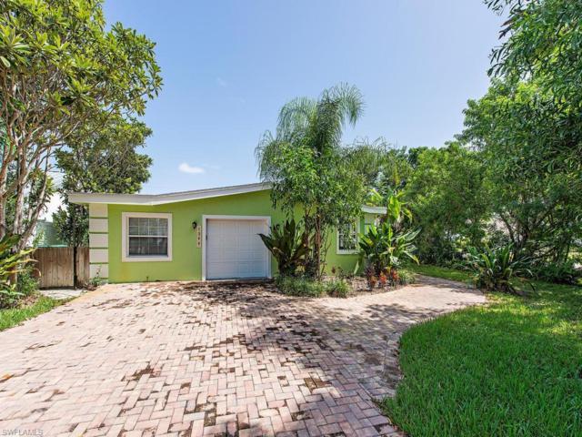 1399 Cooper Dr, Naples, FL 34103 (#218052957) :: The Dellatorè Real Estate Group