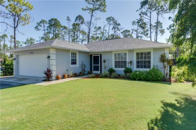 2310 Robin Dr, Naples, FL 34117 (MLS #218056442) :: Clausen Properties, Inc.